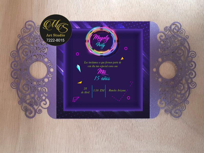 Invitación Láser para 15 años. Color violeta
