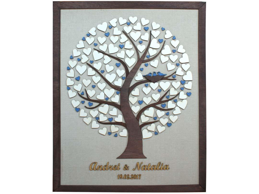 Cuadro para firmas y mensajes de boda modelo Silvia. Lienzo tela beige y marco nogal. Detalles en azul y dorado.