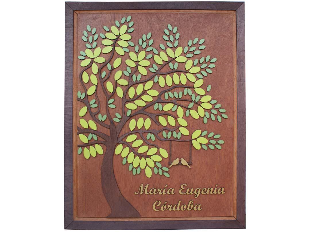 Cuadro para firmas y mensajes de boda modelo Melissa con lienzo en madera tono cristóbal y marco en nogal. Detalles decorativos en dorado y verde.