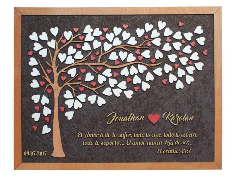 Cuadro para firmas y mensajes de boda modelo Brisas con lienzo en tela marron y marco en miel. Detalles decorativos en dorado y rojo.