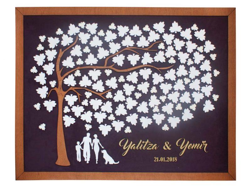Cuadro para firmas y mensajes de boda modelo Brisas con lienzo en madera tono nogal y marco en miel. Detalles decorativos en dorado.