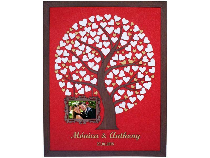 Cuadro para firmas y mensajes de boda modelo Silvia. Lienzo tela roja y marco nogal. Detalles en dorado. Porta retrato.